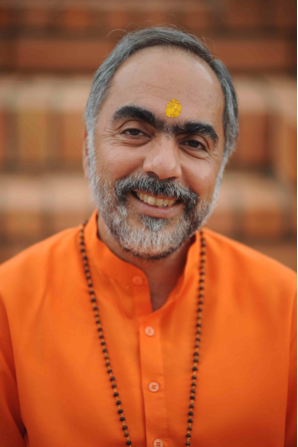 Satsang with Pujya Mukhya Swami Swaroopanandaji