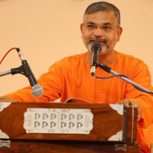 Swami-Advaitananda