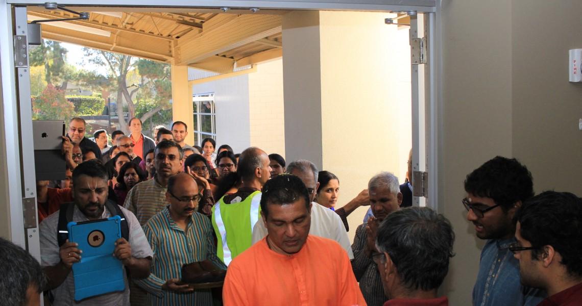 Welcoming Swami Bodhatmanandaji to CMSJ
